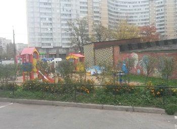 Частный детский развивающий центр в густонаселенном районе