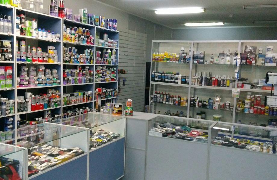 Сеть магазинов по продаже материалов для ремонта авто