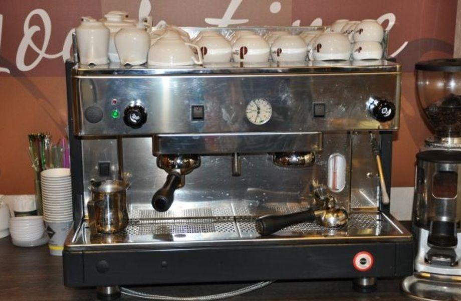 Кафе в ТК в г.Колпино (бизнес по цене оборудования)
