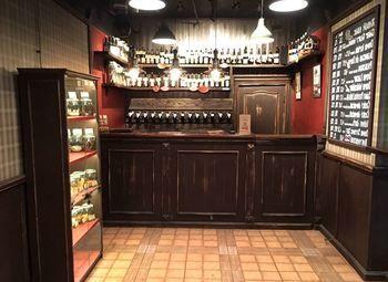 Магазин разливного пива с дизайнерским ремонтом рядом с метро