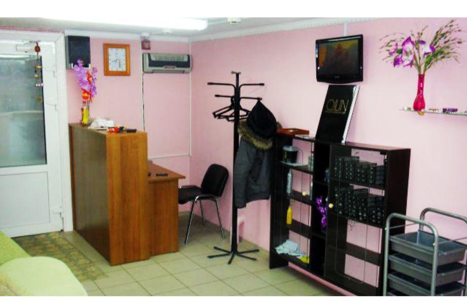 Действующая парикмахерская (Низкая аренда)
