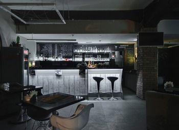 Кофейня - Бар в проходном месте