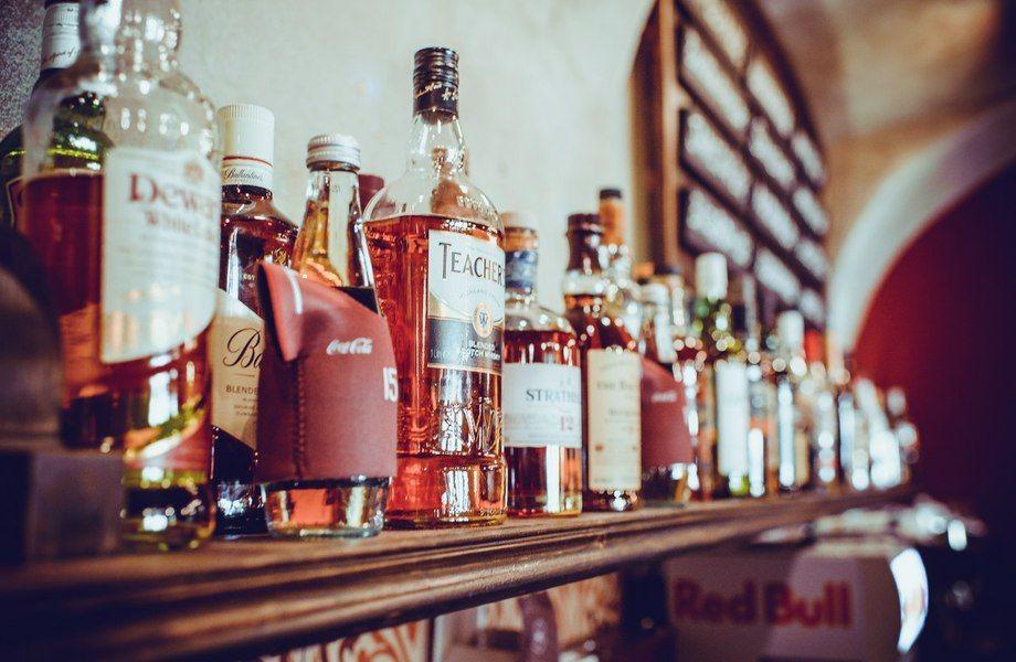 Раскрученный премиум бар на Васильевском острове