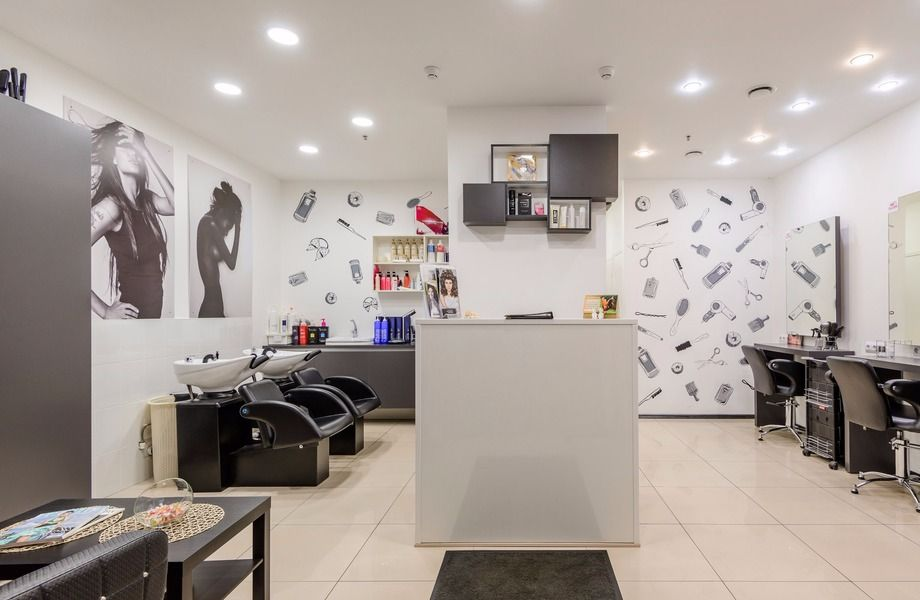 Готовый салон красоты в комфортабельном бизнес-центре около метро