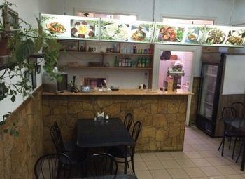 Кафе в центре города около метро
