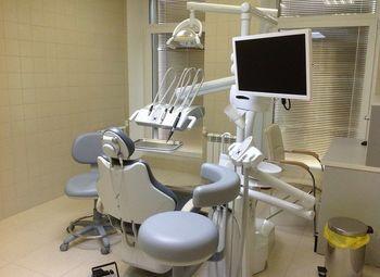 Стоматологическая клиника в Рощино в собственность