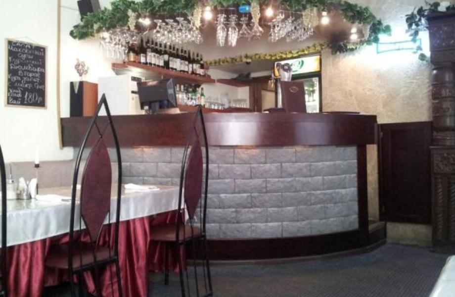 Кафе-Бар В Зоне Бизнес Центров И Спального Района