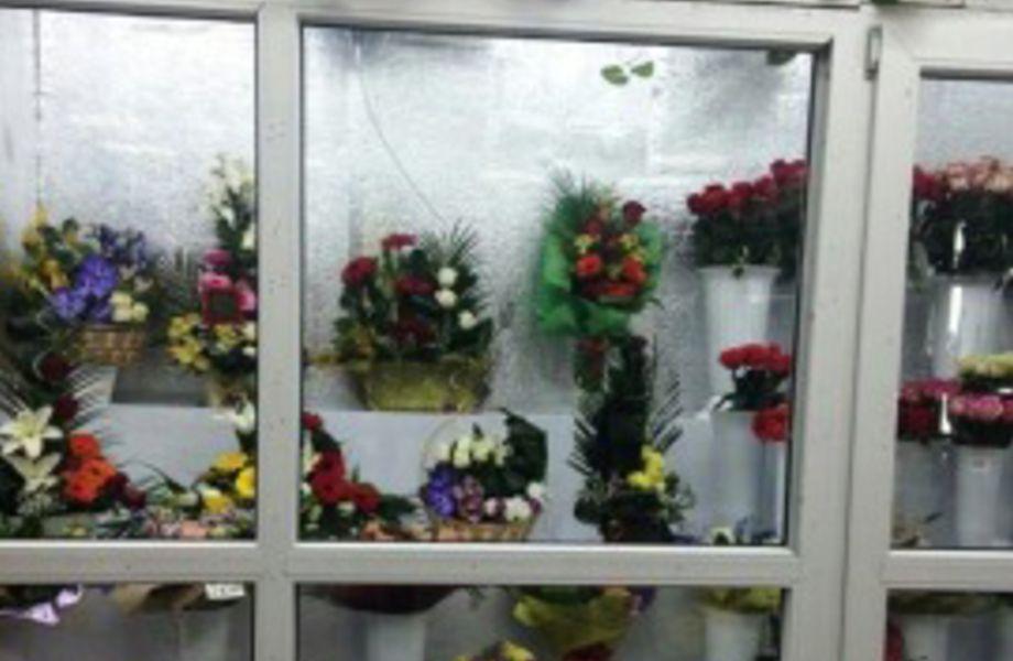 Цветочный магазин - студия в центре города (Отличные перспективы)