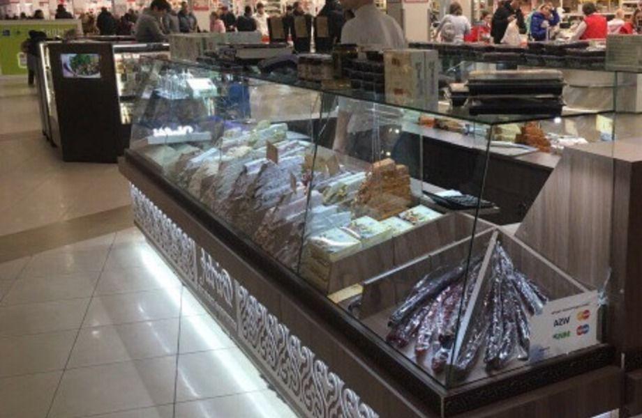 Торговый остров турецких сладостей в крупном ТРК