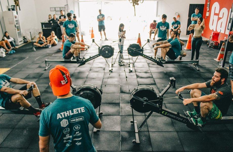Работающий фитнес-клуб в густонаселённом районе