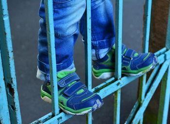 Федеральная сеть магазинов детской обуви под известным брендом