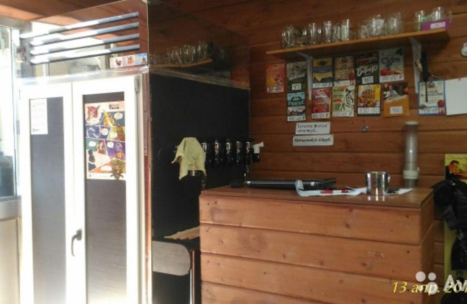 Магазин разливного пива в шаговой доступности от метро