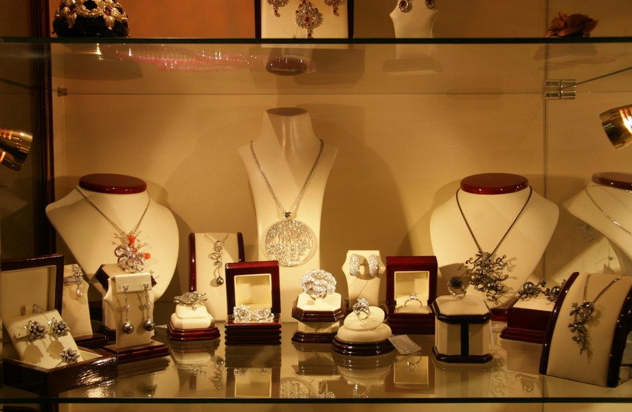 Магазин ювелирной бижутерии и аксессуаров
