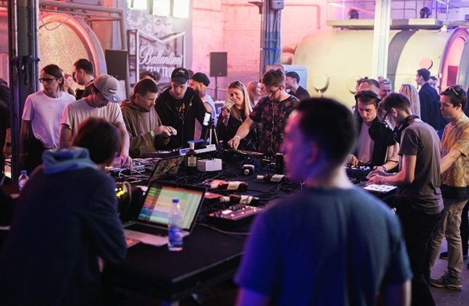 Сеть профессиональных музыкальных магазинов в Питере и Москве