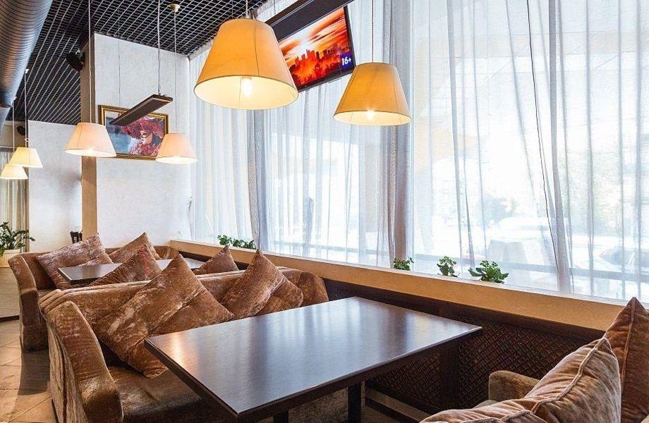 Столовая и ресторан в бизнес центре в Кировском районе