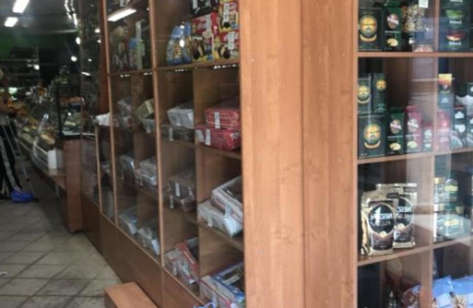 Продуктовый магазин с алкогольной лицензией на В.О.