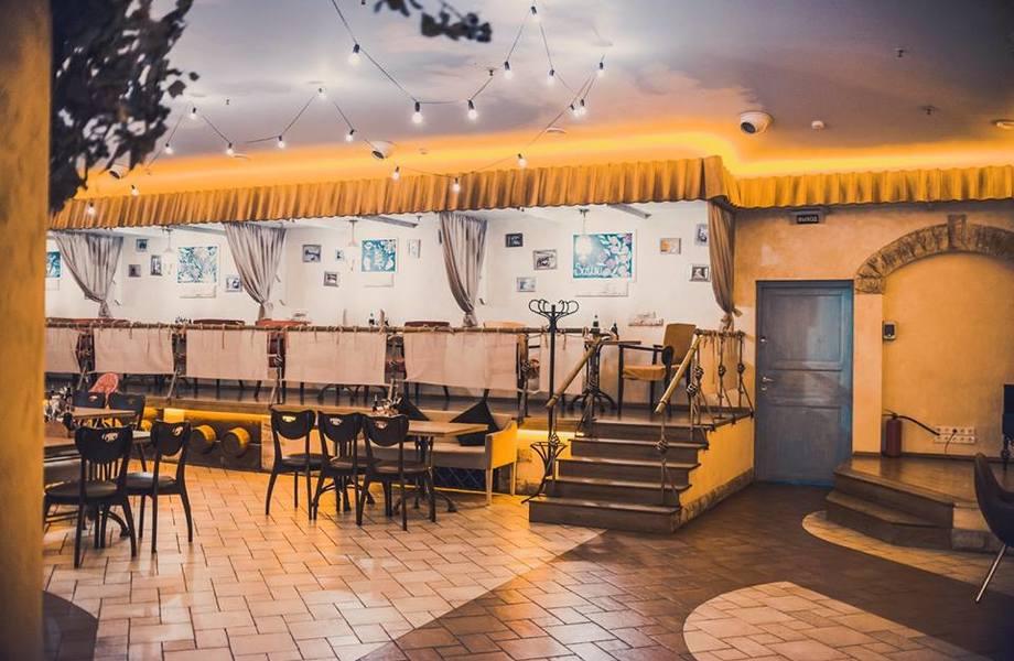 Прибыльный 2х этажный ресторан в крупном ТРК