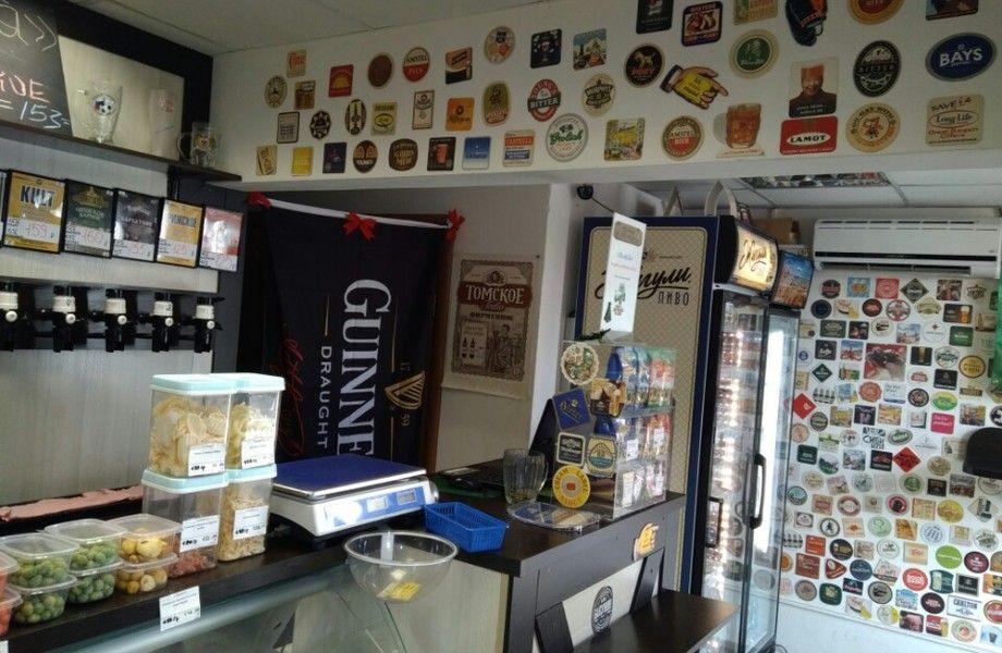 Популярный магазин разливного пива в проходном месте