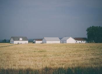Налаженное производство бань, бытовок, беседок, загородных домов.