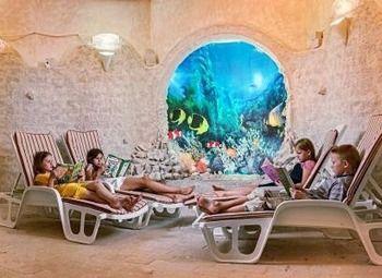 Соляная пещера в торговом центре Петергофа