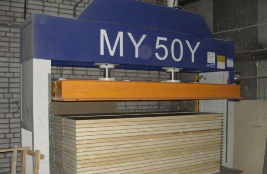 Действующее производство деревянных дверей (5 лет работы)