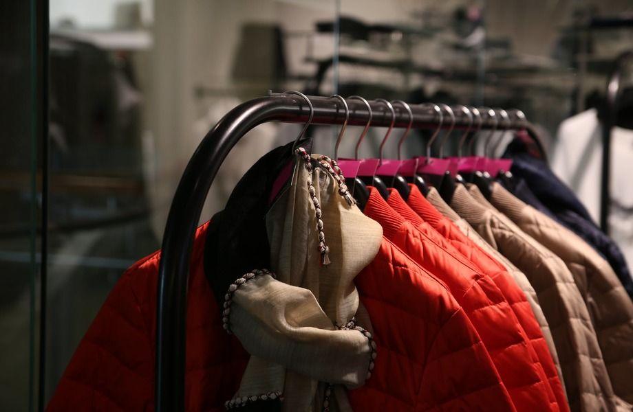 Магазин верхней одежды в ТЦ