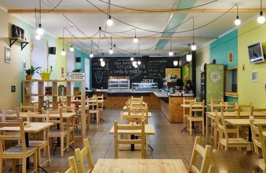 Прибыльная кафе-столовая на Московских воротах