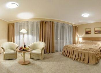 Отель на 16 номеров в нежилом фонде