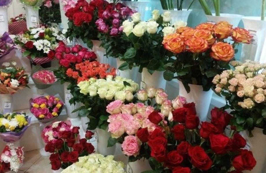 Крупный магазин цветов