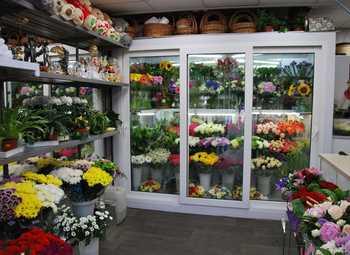 Цветочный магазин по цене активов на самой оживленной улице