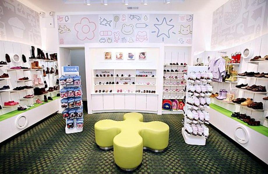 Магазин детской обуви в крупном ТРК