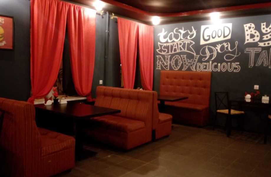 Продается кафе в центре города на 30 посадочных мест