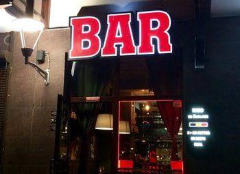 Стильный пивной бар крафтого пива