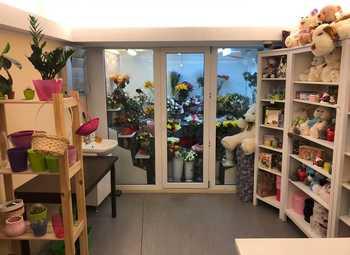 Цветочный магазин в Петроградском районе