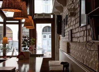 Бизнес с рестораном, спорт-баром, кальянной и продуктовым магазином