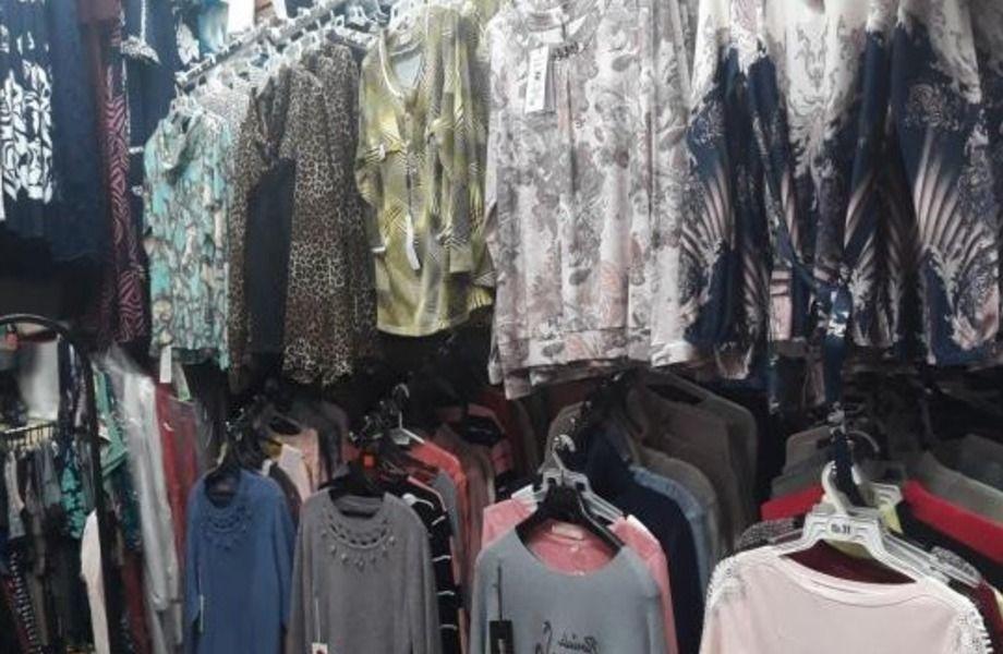 Магазин женкой одежды в проходном т.к