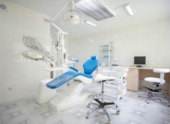 Современная стоматология на 3 кабинета в центре города