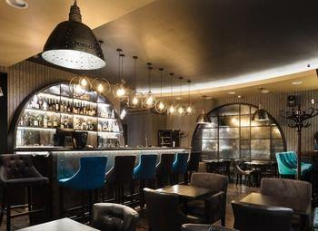 Винный бар с уникальным дизайном