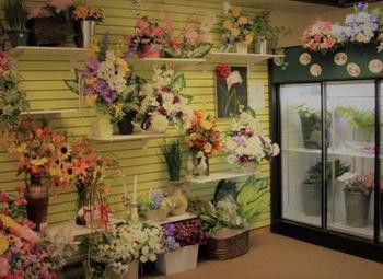 Цветочный магазин в крупном сетевом супермаркете