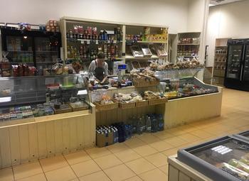 Продовольственный магазин в престижном районе