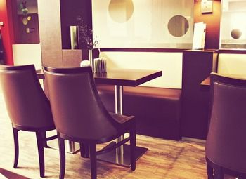 Современное и уютное кафе рядом с м. Василеостровская