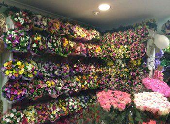 Цветочный магазин на севере города с отдельным входом