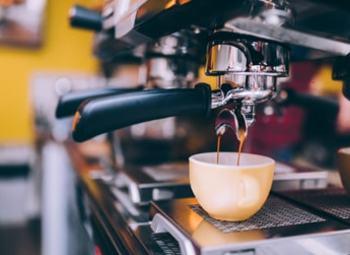 Павильон кофе с собой от известной франшизы
