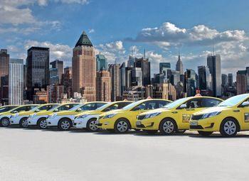 Таксопарк с 24 машинами