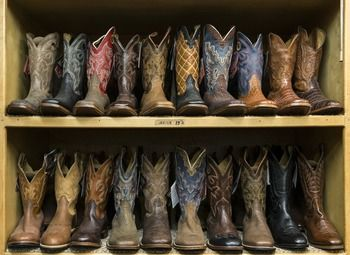 Магазин обуви в торговом павильоне