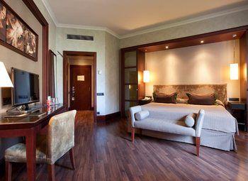 Мини отель на 8 номеров с удобствами на первом этаже