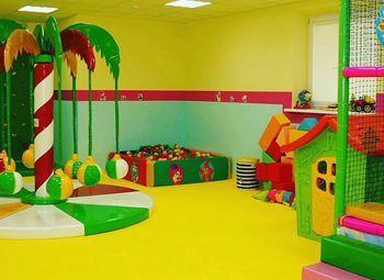 Детский центр неполного дня в крупном жилом массиве