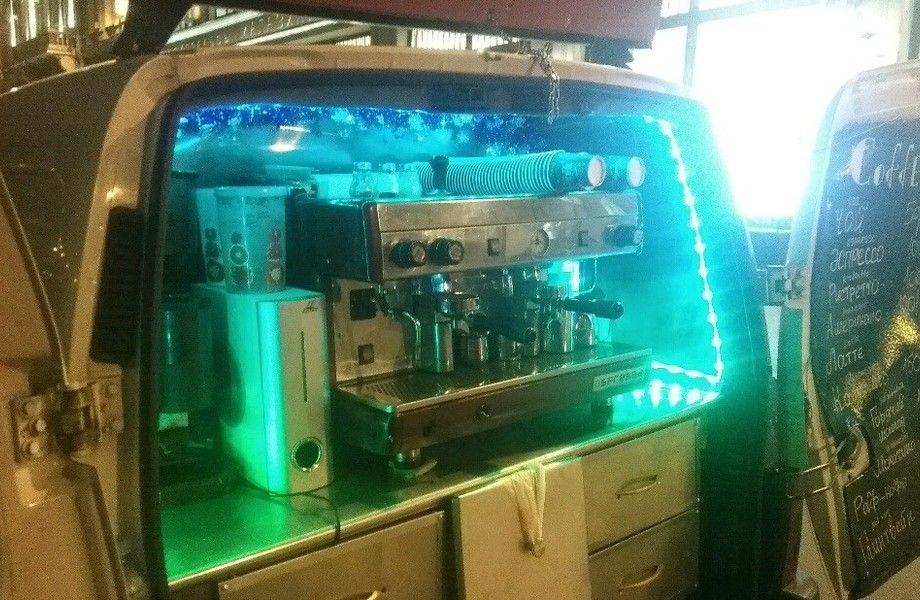 Мобильная кофейня на базе Peugeot