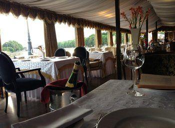 Ресторан на первой линии в Жилом Комплексе