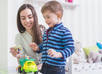 Островок с детскими игрушками в ТЦ